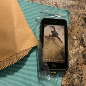 SALE NWT lifeproof  fre case